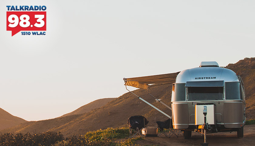 Author of Journeys with a Tin Can Pilgrim, Lynda Rozell on Inspiration to Give Everything up and Travel via Airstream